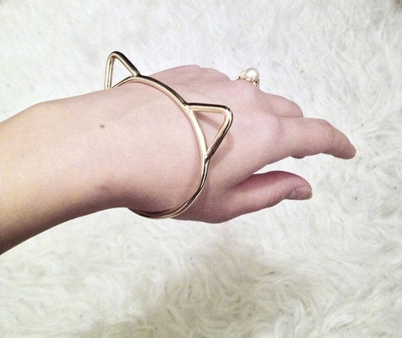 kitty bangle