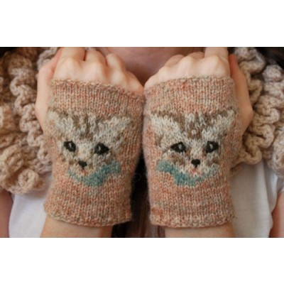 I must get me some of these meow mitts from knitculture!