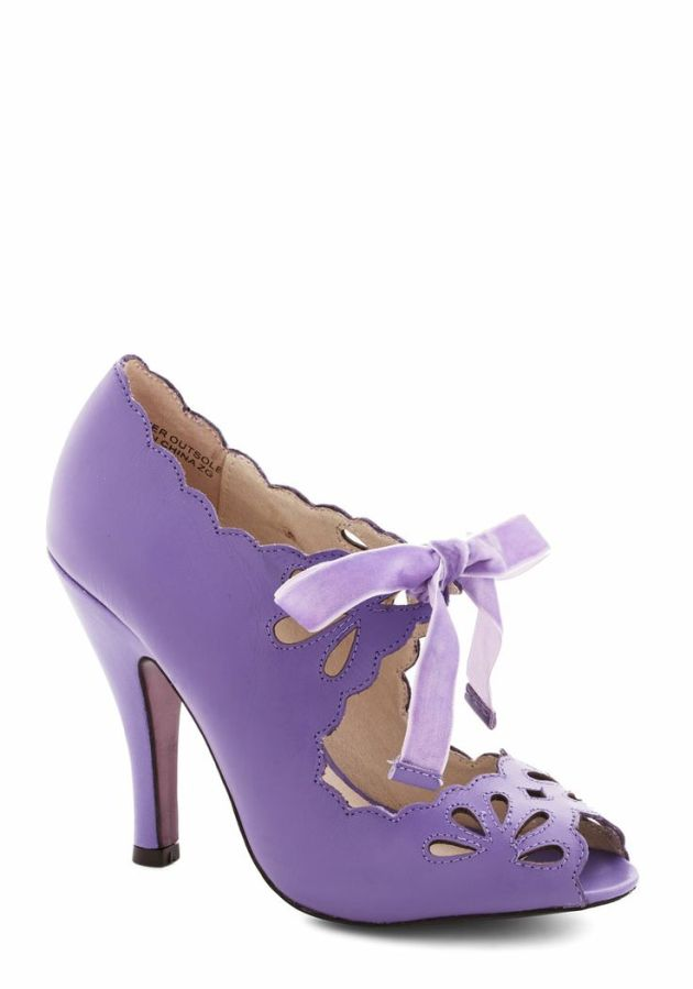 dainty dramaturge heel in lavender
