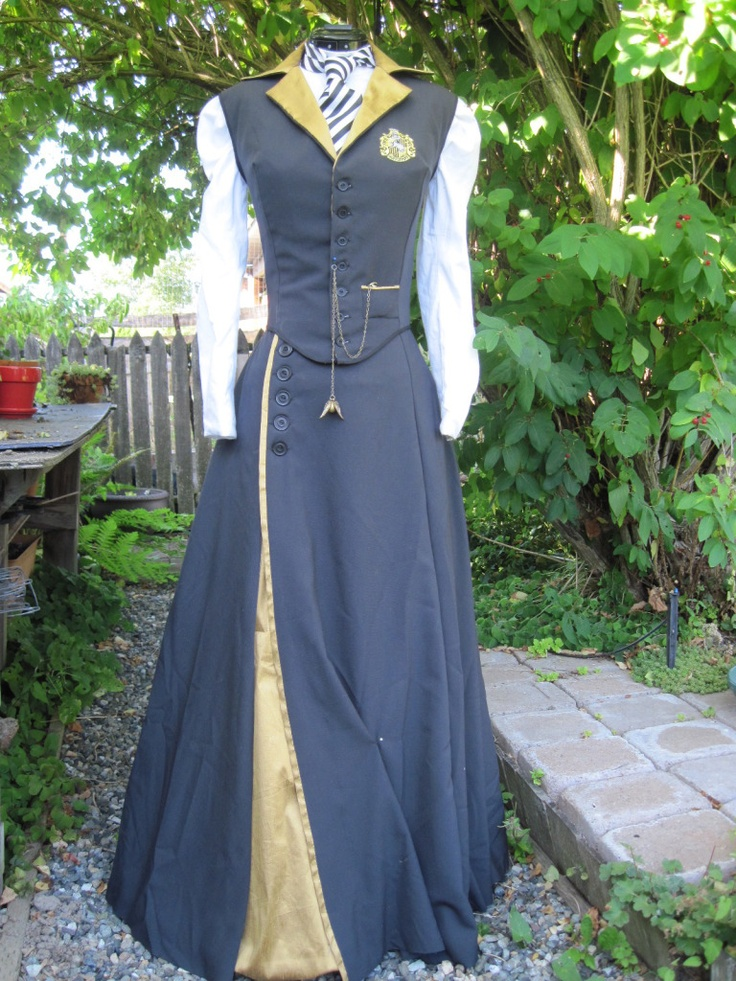 // Victorian Hufflepuff - Dragonfly Designs by Alisa // Friday I'm in Love // margotmeanie.com