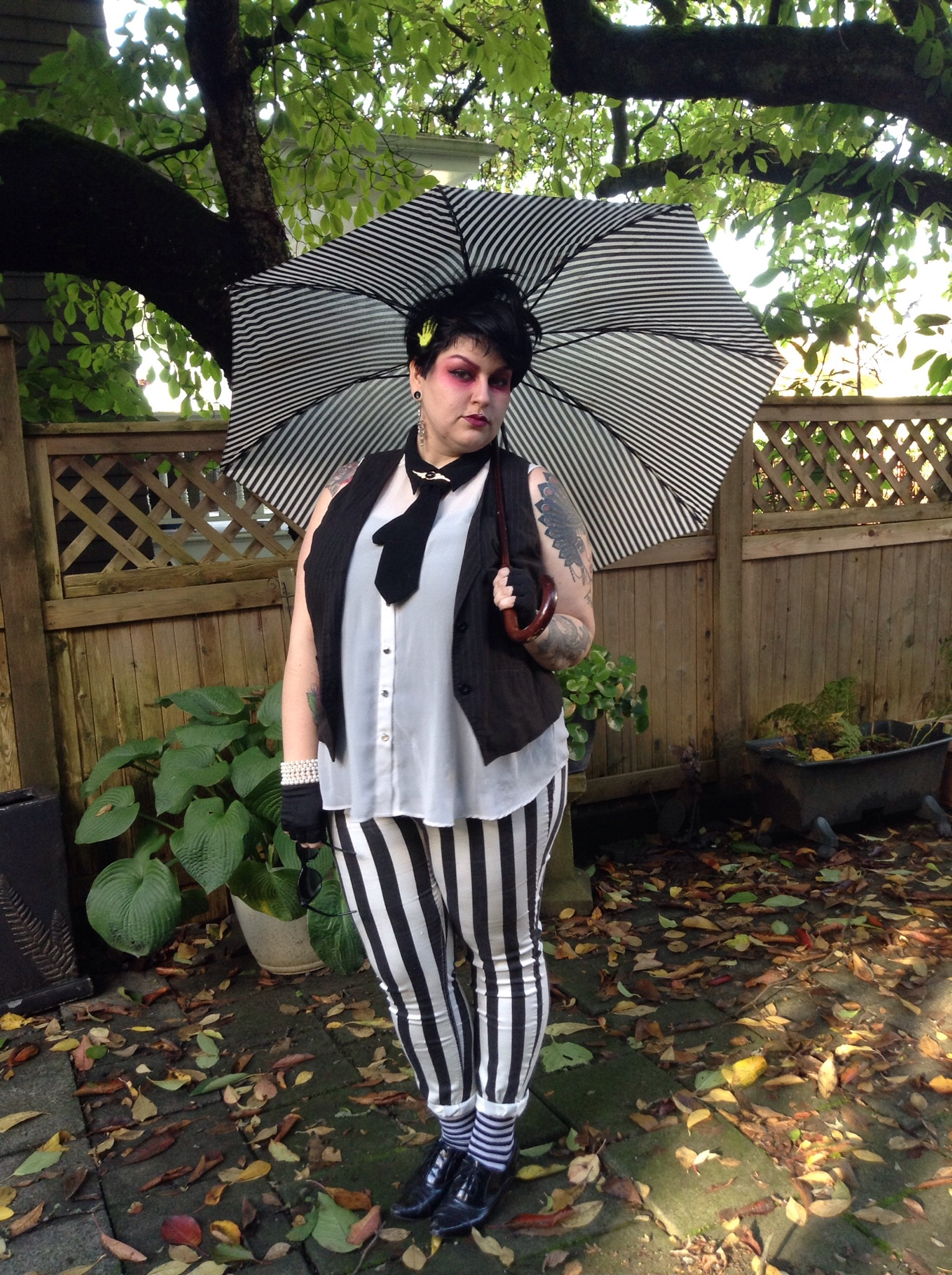 alternative plus size blogger Margot Meanie dressed as Beetlejuice // margotmeanie.com