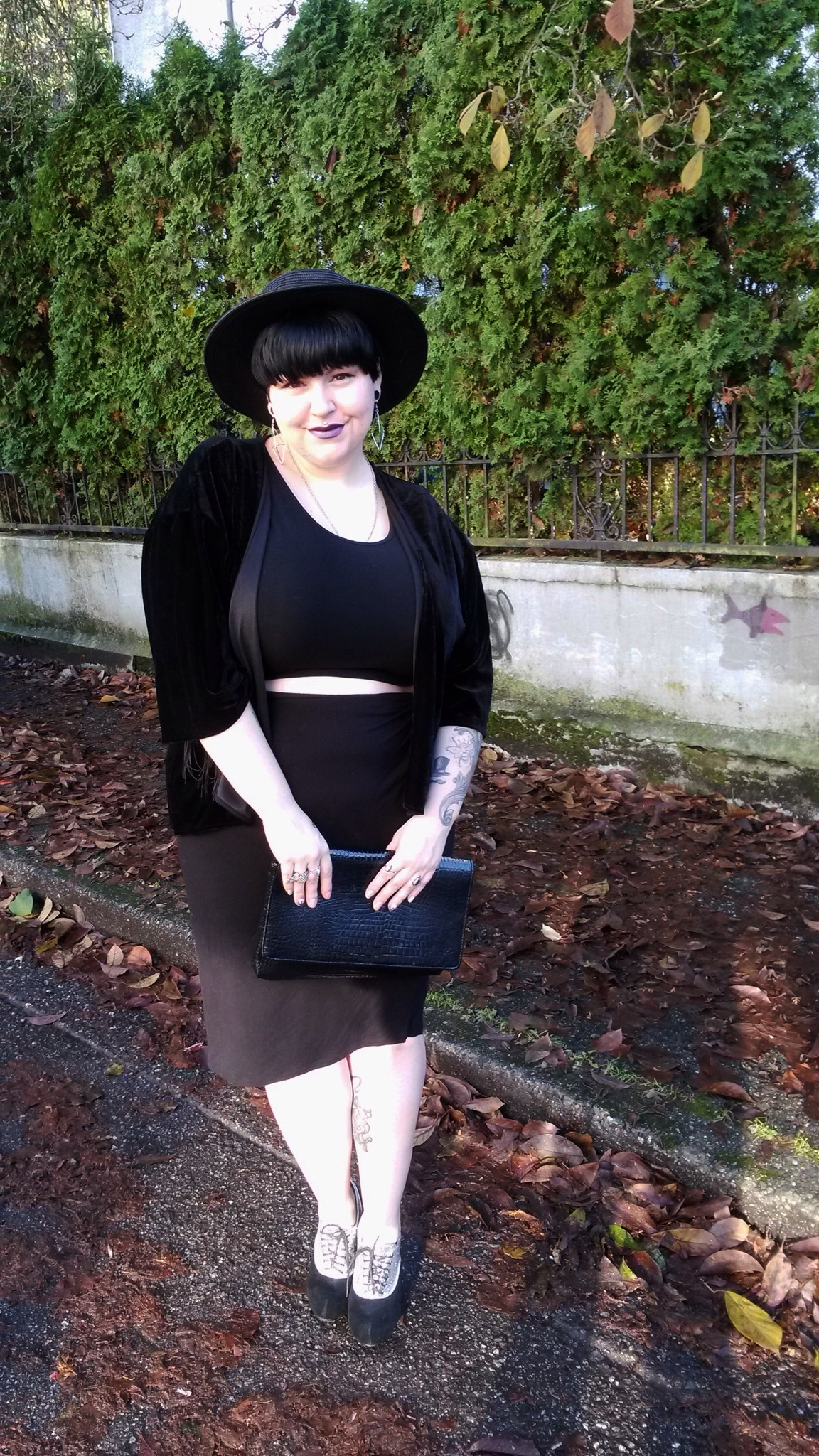 plus size fashion blogger Margot Meanie, is wearing forever21+ & Addition Elle full details and links are on her blog margotmeanie.com