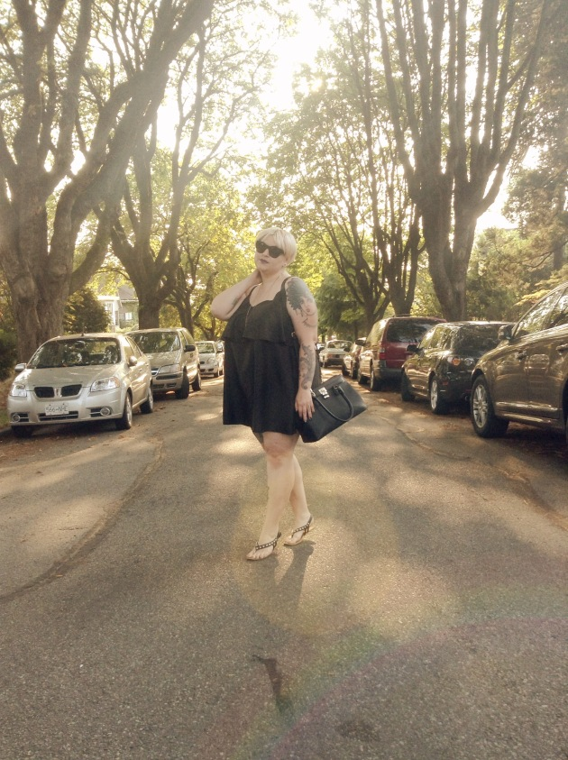 Canadian plus size blogger, Margot Meanie, wearing Boohoo plus